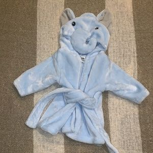 Other - { 3 for $15 } 🐘Plush Elephant Robe🐘